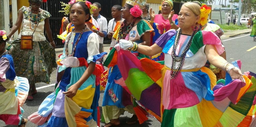 Colón desfila en honor a los afrodescendientes