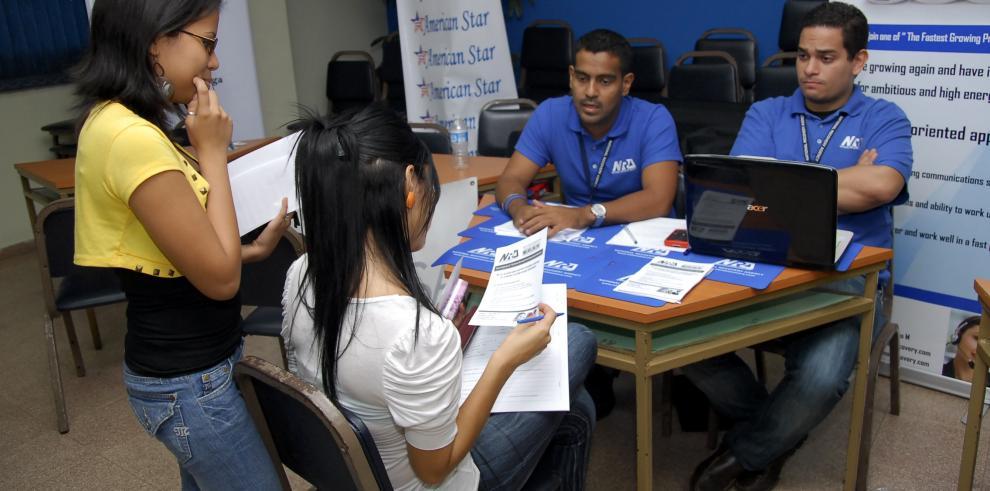 Convenio gubernamental dará su primer empleo a 1.500 técnicos panameños