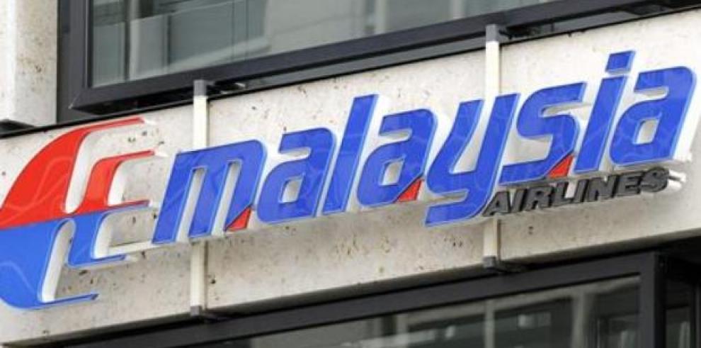 Salta alarma de incendio en avión de aerolínea malasia en pleno vuelo