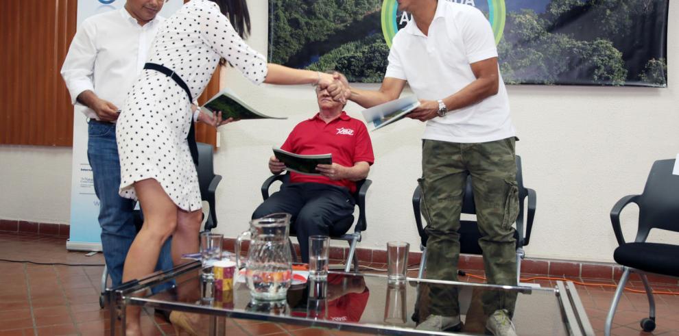 ONG entrega agenda ambiental de Panamá