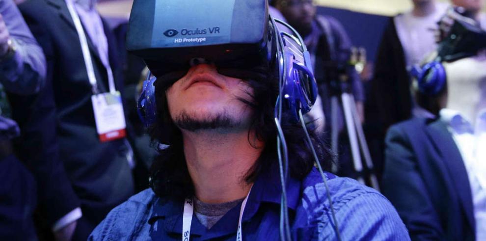 Facebook apuesta por realidad virtual para futuro de redes sociales