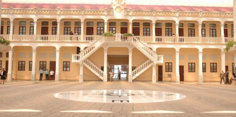 Panamá abrirá una embajada en Emiratos Árabes Unidos