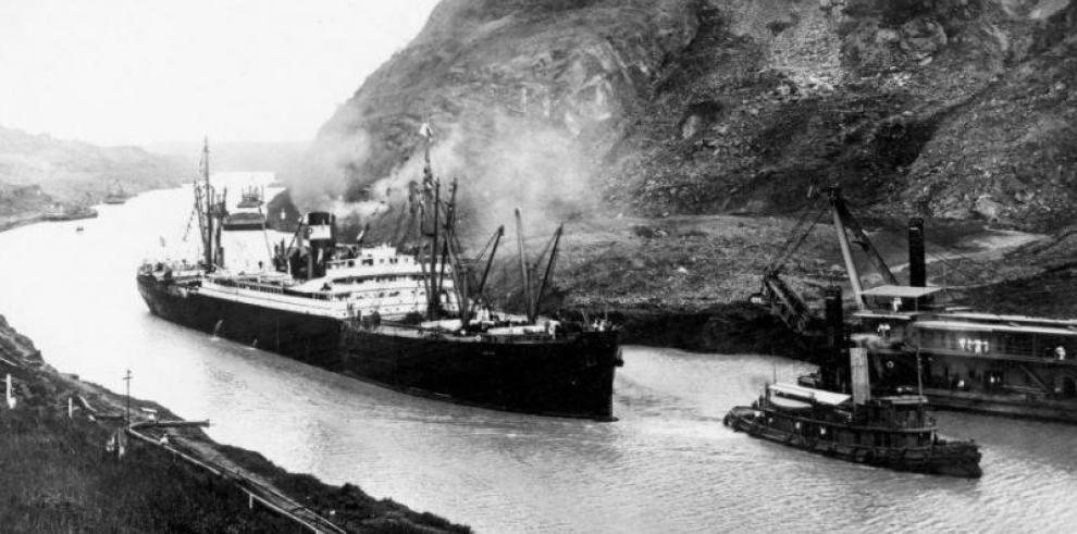 25 fascículos que cuentan la historia del Canal de Panamá