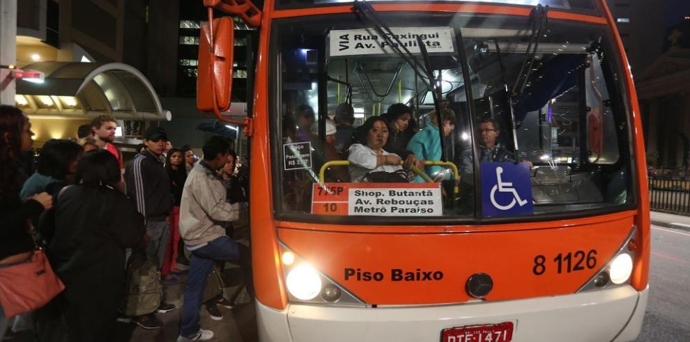 Las huelgas de transporte, un quebradero de cabeza más para el Mundial
