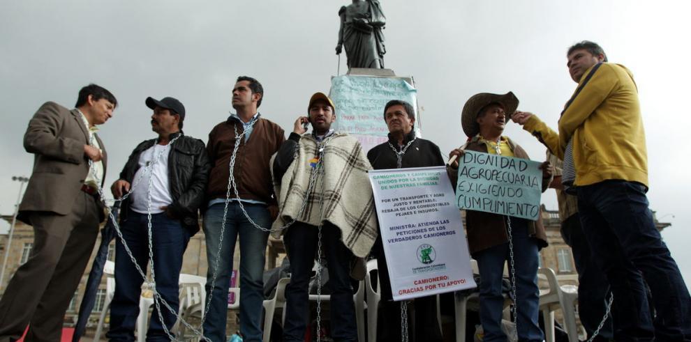 Gobierno y campesinos dialogan con mediación de la ONU