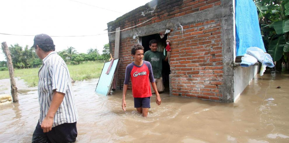 Mueren 4 personas al derrumbarse sus casas en Marruecos por lluvias
