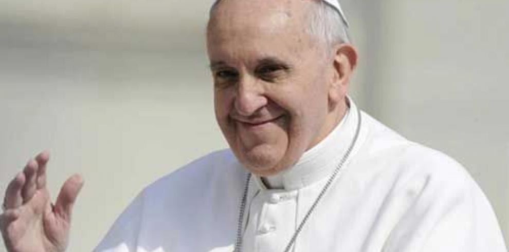 Papa pide la paz en mensaje de Pascua
