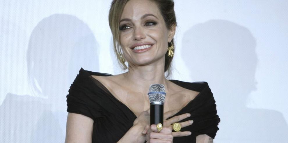 Angelina Jolie suspende promoción de película por varicela