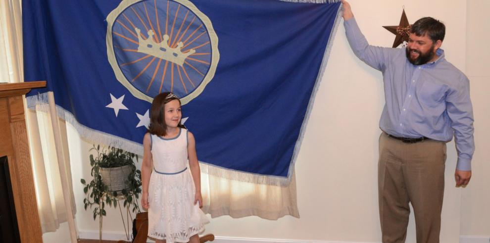 Hombre reclama territorio en África y proclama princesa a su hija