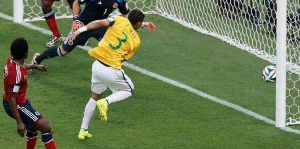 Los 20 grandes hechos del Mundial 20 en la historia, en imágenes