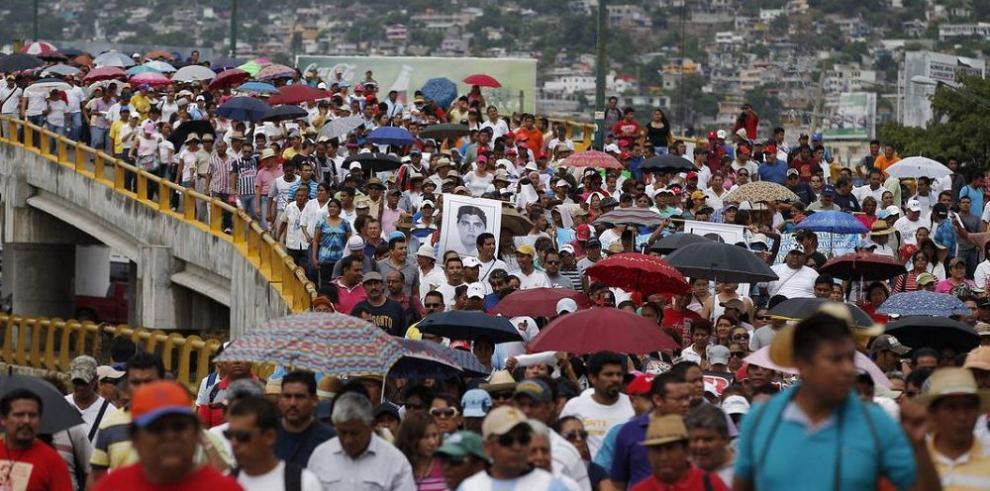 Estalla la cólera en las calles de Acapulco