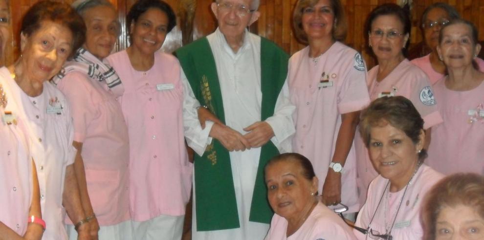 Agasajan al padre Agustín