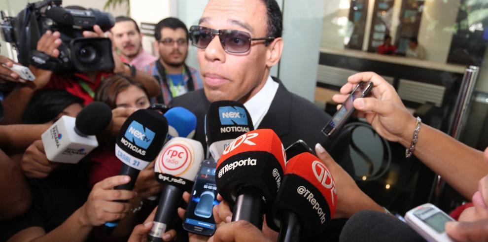 Moncada Luna podría pedir asilo político en Cuba. Su defensa lo niega