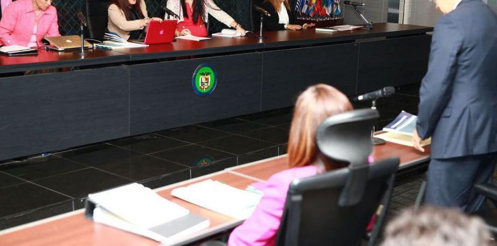 Moncada Luna desacata orden de la Asamblea