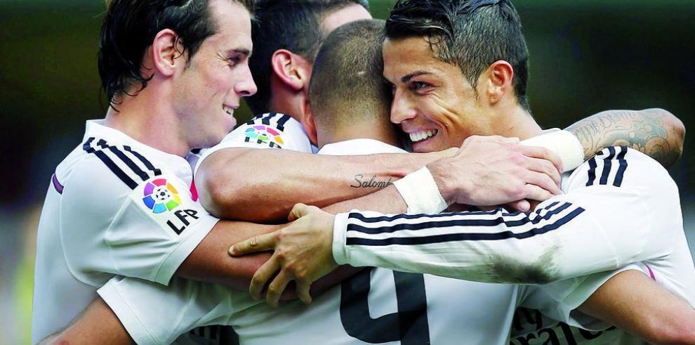 Barcelona golea y el el Real Madrid escala