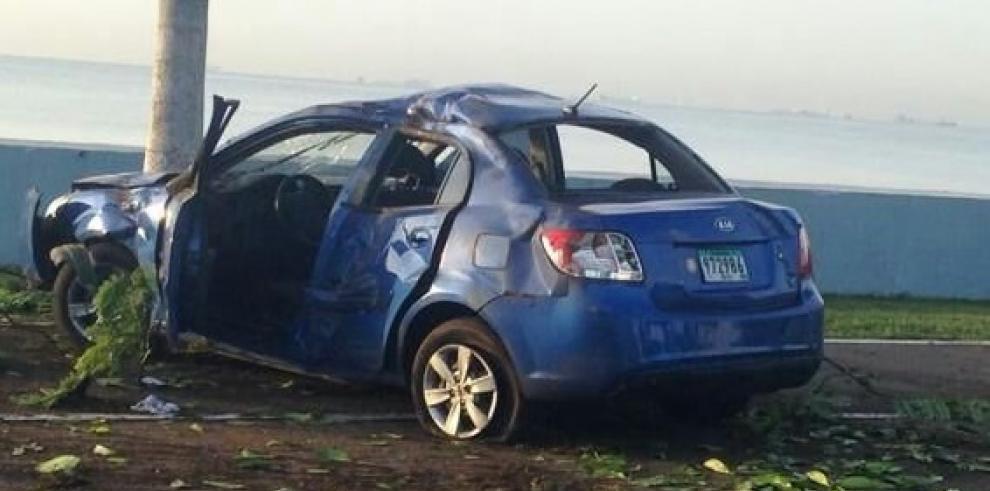 Accidente en la Cinta Costera, conductor en estado deembriaguez