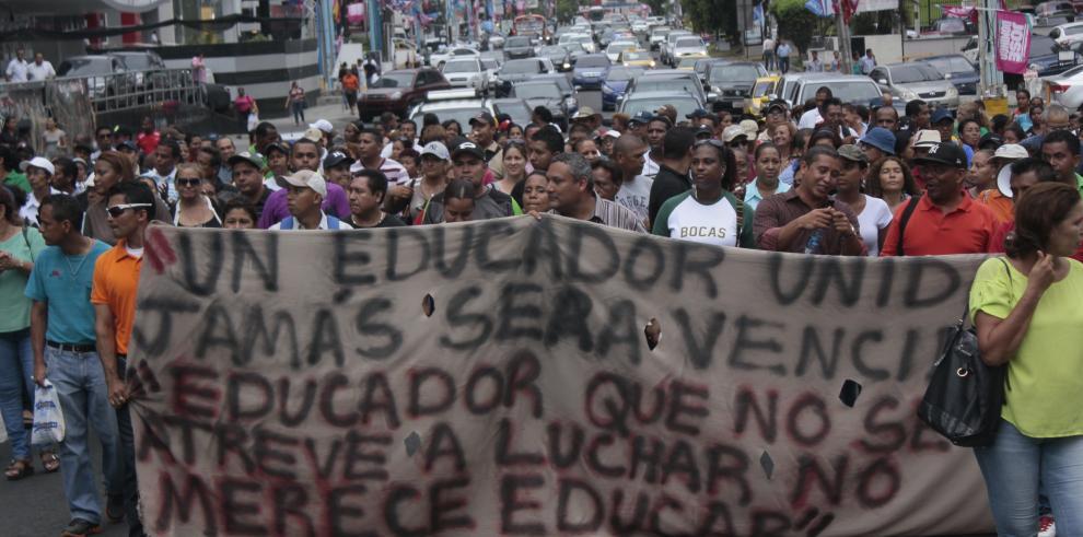 Docentes suspenden protestas hasta después de elecciones del 4 de mayo