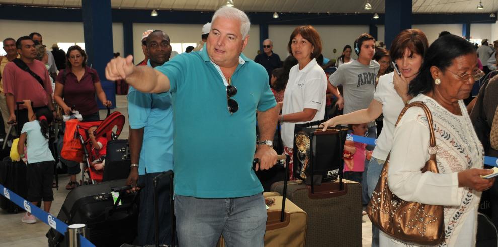 El presidente Ricardo Martinelli llega casi al centenar de viajes