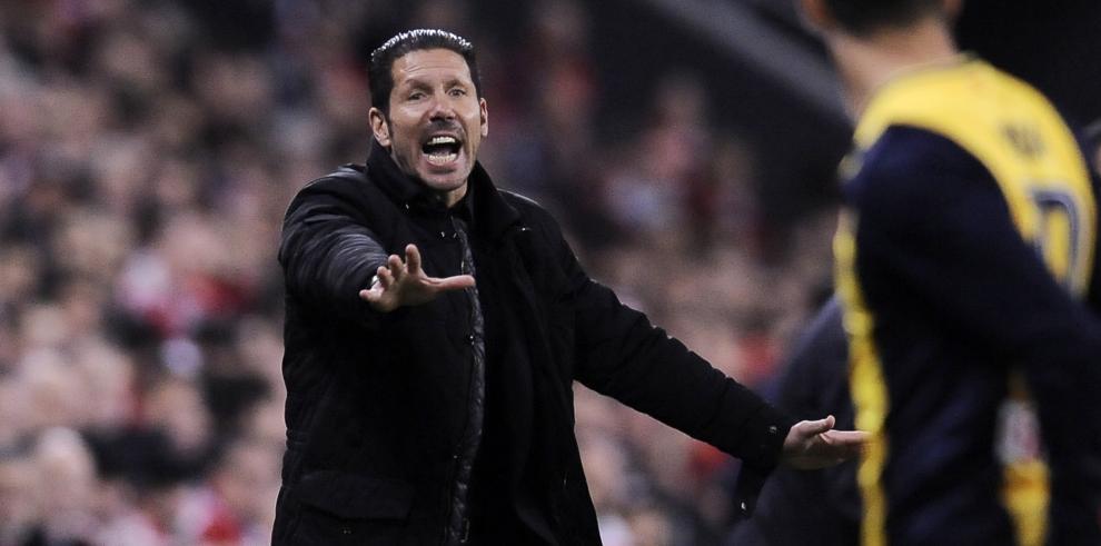 Barcelona y Atlético ganan y siguen delante del Real Madrid