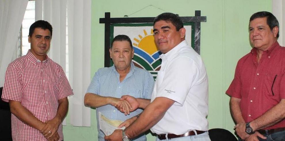 Viveristas de Chiriquí reciben pago por la renovación de cafetales
