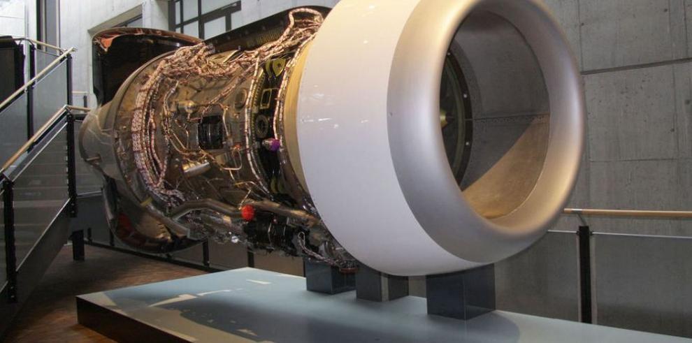 Rolls-Royce disminuye su proyección de ventas un 4%
