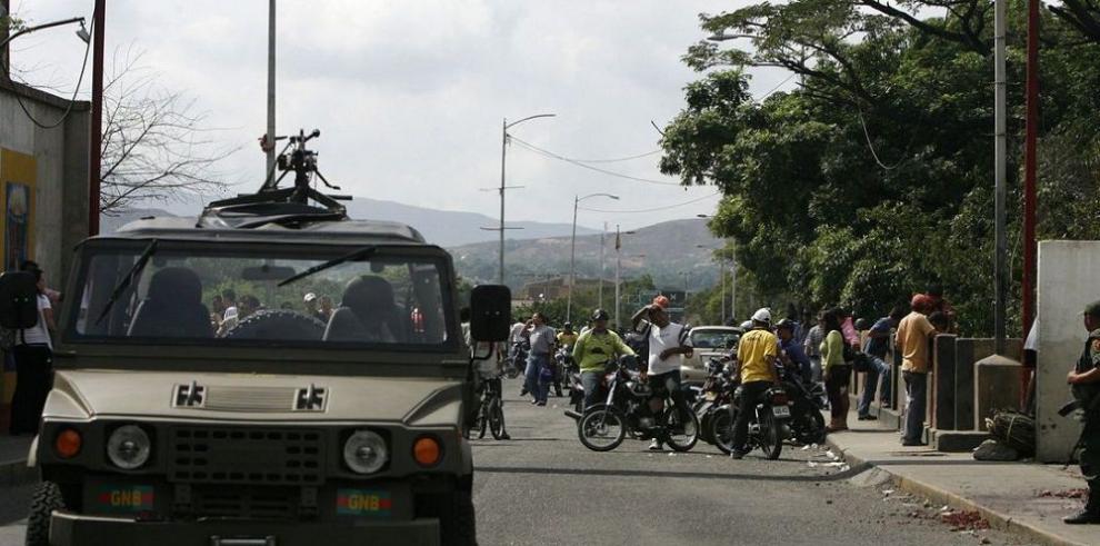 Policía detuvo a seis militares venezolanos