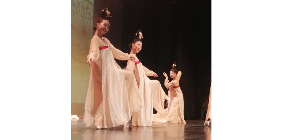 Presentación artística China