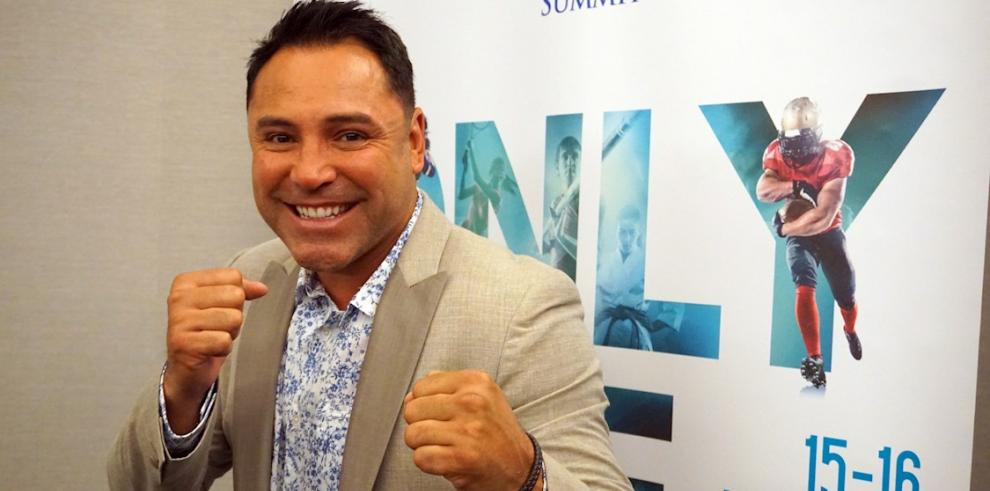 El excampeón mundial de boxeo, Óscar de la Hoya.