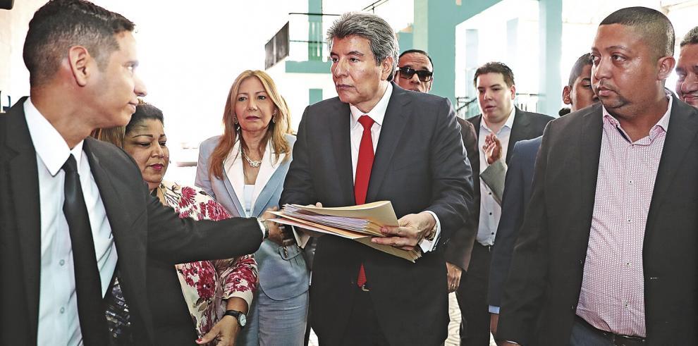 Juez_extingue_pena_a_Moncada_Luna_y_lo_inhabilita_de_funciones-0