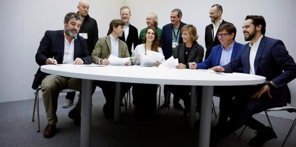 Mimbros de los partidos políticos españols