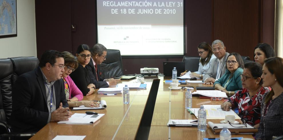 Reunión del Miviot con grupos de los PH.