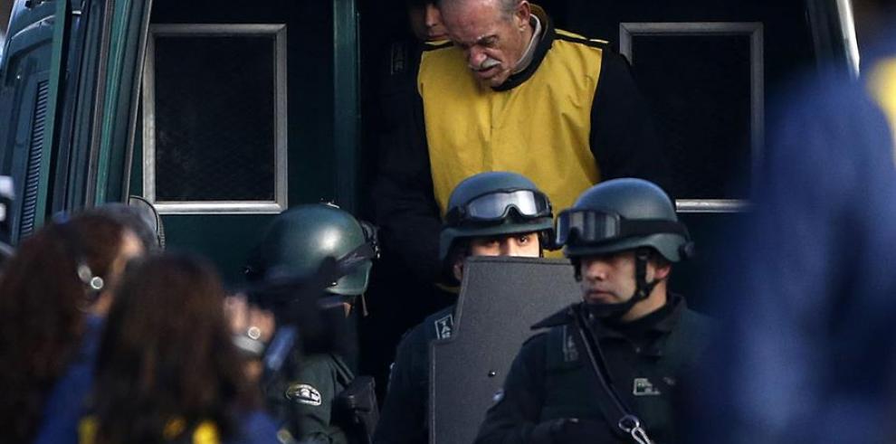 El exbrigadier chileno Miguel Krassnoff (c).