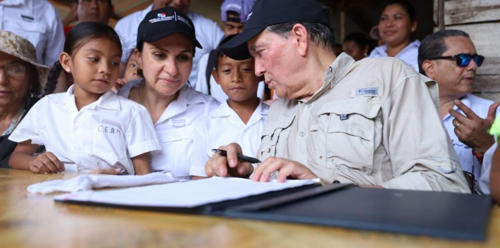 Presidente Cortizo Cohen sanciona ley estudiar sin hambre.