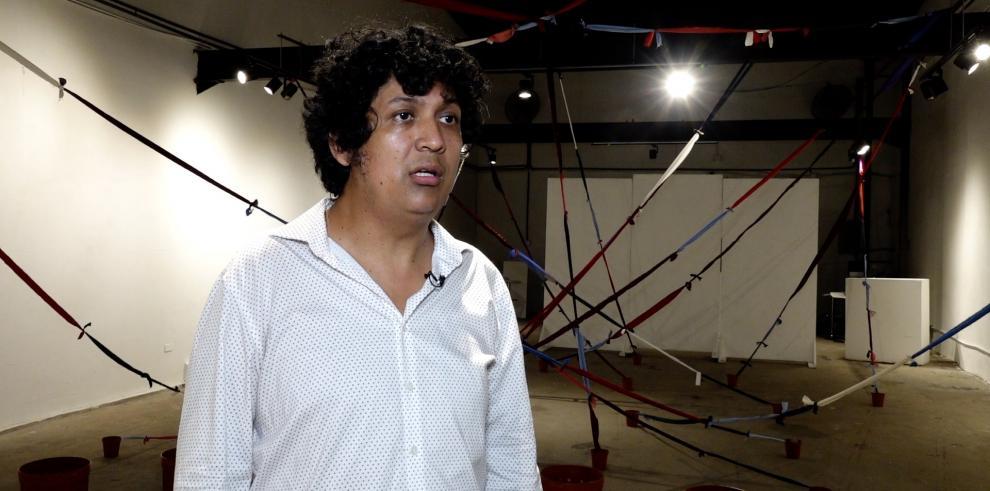 Dramaturgo y poeta Jhavier Romero