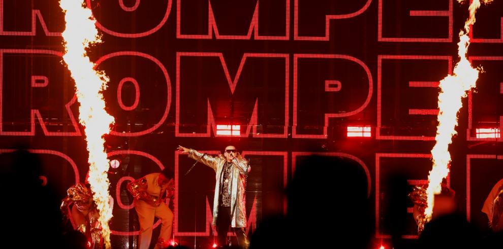 El reguetonero puertorriqueño Daddy Yankee ofrece el primero de diez conciertos, este jueves en el Coliseo de San Juan (Puerto Rico).