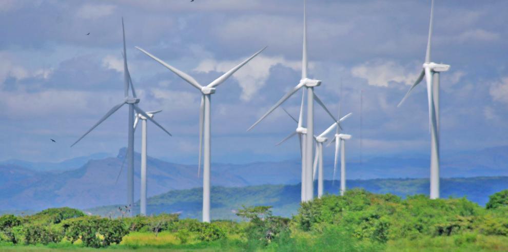En Panamá la presencia china más evidente es el Parque Eólico de Penonomé, donde se operan gigantescas turbinas chinas de la marca Gold Wind.