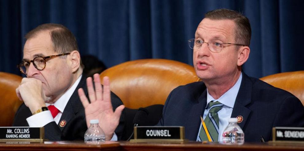 Presidente del Comite Judicial del Congreso Jerry Nadler (i) y el representante republicano por Georgia Doug Collins (d)