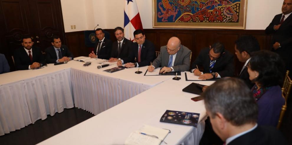 Panamá lanza su estrategia digital 2020