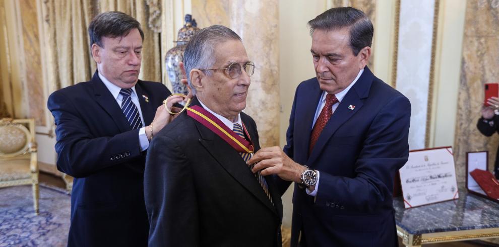Rolando Murgas Torraza