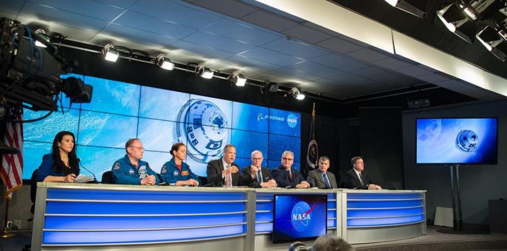Conferencia por la nave espacial CST-100 Starliner de Boeing