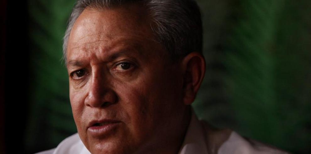 Dicho convenio fue suscrito recientemente en Santiago por el embajador de Ecuador en Chile, Homero Arellano (imagen)