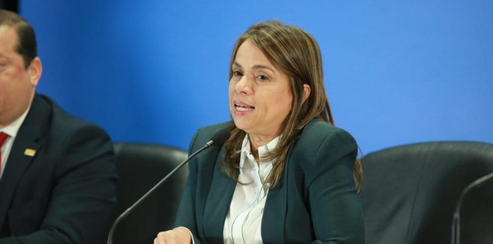 Maruja Gorday de Villalobos, ministra de Educación