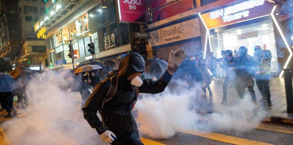 manifestantes en las calles de Hong Kong