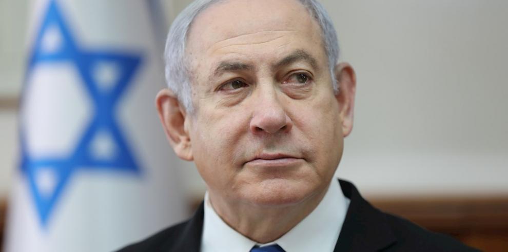 El primer ministro israelí, Benjamín Netanyahu, revalidó hoy el liderazgo en su partido derechista Likud con el 72 % de los votos, frente a su rival Guideon Saar que no superó el 30 %.