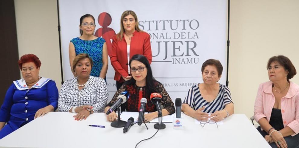 Markova Concepción, ministra de Desarrollo Social da a conocer el proceso de selección para la nueva Dirección del Instituto Nacional de la Mujer (INAMU)