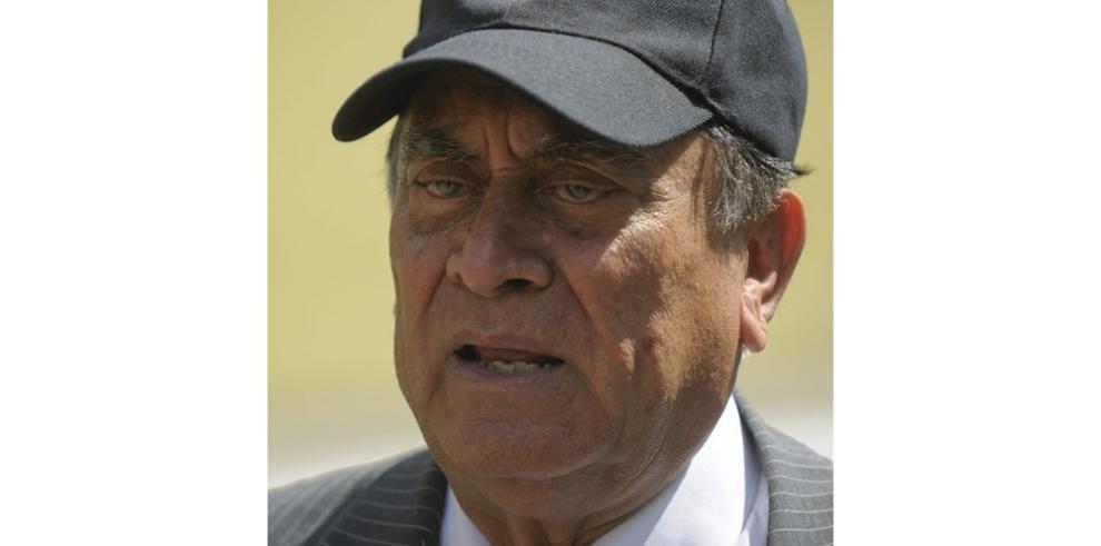 En la imagen un registro del coronel retirado Sigifredo Ochoa Perez, quien fue diputado de la Asamblea Legislativa salvadoreña entre 2012 y 2015 y embajador de su país en Honduras. E
