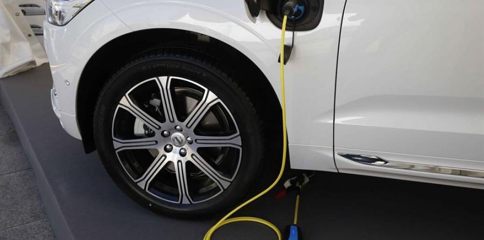 El Ministerio de Industria, Comercio y Turismo de España y la asociación China EV100, plataforma de referencia en el país asiático para el desarrollo del vehículo eléctrico.