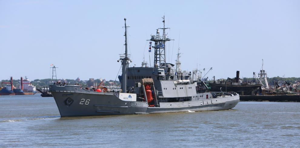 Comida, repuestos y combustible parten en un buque uruguayo hacia la Antártida