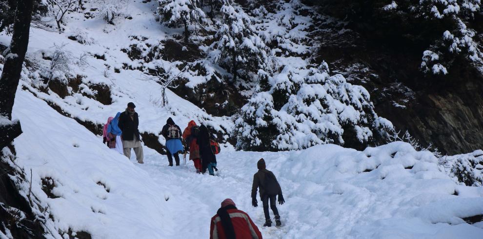 Al menos 50 muertos y 20 desaparecidos por avalanchas en la Cachemira paquistaní