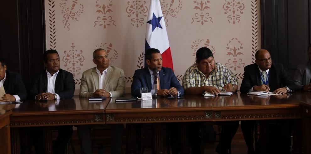 Autoridades crean comisión para investigar tala forestal en la comarca Emberá - Wounaan